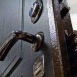Как самостоятельно установить китайскую металлическую дверь?