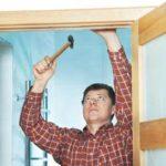 Как правильно поставить дверь своими руками?